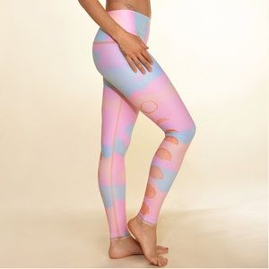 New moon rainbow hot pant teeki yoga leggings